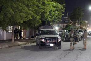 Guzmán tabati Los Mochise linna lähistel hotellis.