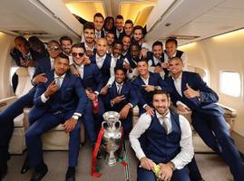 Pühapäeva õhtul jalgpalli Euroopa meistriks tulnud Portugali koondis naasis kodumaale