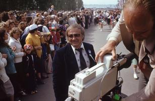 Saatejuht Mati Talvik. Juuli 1980, ETV töörühm laulupeol