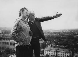Operaator Aleksander Razumov ja teleajakirjanik Mati Talvik. 1982