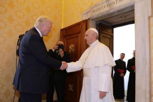 President Trump kohtus Vatikanis Rooma paavstiga