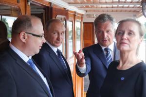 Vladimir Putin saabus visiidile Soome.
