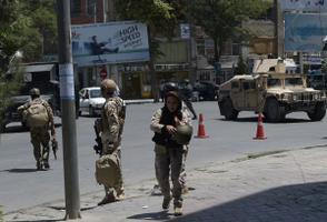 Terrorirünnak Kabulis Iraagi saatkonna lähistel.