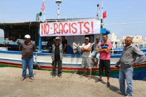 Tuneesia kalurid 6. augustil Zarsise sadamas C-Stari vastu protestimas.