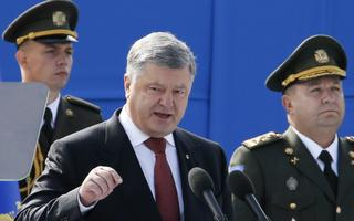 Iseseisvuspäeva paraad Kiievis, president Porošenko peab kõnet.
