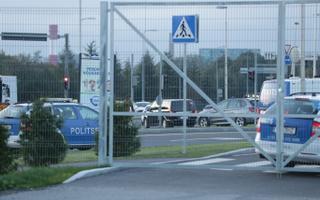Delegatsioonid lahkuvad lennujaamast.