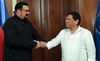 Steven Seagal kohtus Manilas president Dutertega.