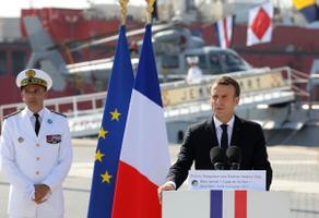 Macron külastas ABu Dhabis Prantsuse mereväebaasi.