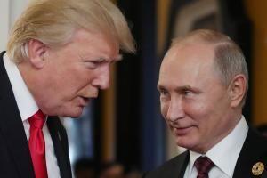 Trump kohtus Vietnamis Putiniga.
