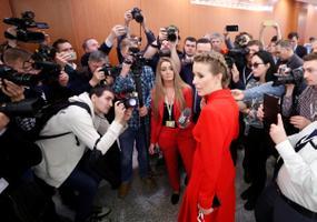 Ksenija Sobtšak Putini pressikonverentsile saabumas.