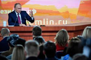 Vladimir Putin suurel pressikonverentsil 14. detsembril.