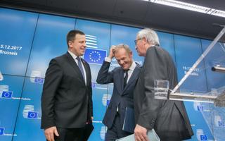 Jüri Ratas, Donald Tusk ja Jean-Claude Juncker annavad Brüsselis üheskoos eesistumise viimase suure pressikonverentsi.
