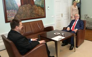 Ka Jean-Claude Juncker käib juttu puhumas nii presidendi kui peaministriga.