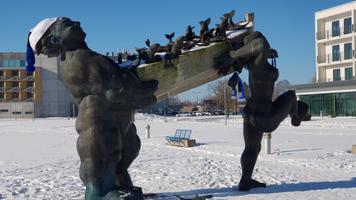 Sinimustvalge Eesti, Kuressaare