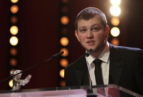 Parimaks meesnäitlejaks tunnistati prantslane Anthony Bajon noore narkomaani osatäitmise eest filmis