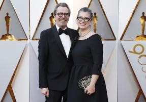 Parima meespeosa Oscari nominent Gary Oldman ja abikaasa Gisele Schmidt