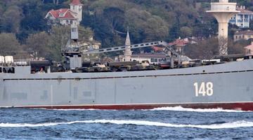 Vene sõjalaevad transpordivad sõjatehnikat Süüriasse.