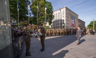 Eestisse saabus visiidile Poola kaitseminister Mariusz Błaszczak.