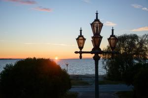 Suvine päikeseloojang Tallinnas