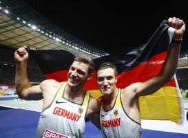 Thomas Röhler koos hõbemedali võitnud koondisekaaslase Andreas Hoffmanniga.