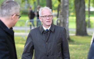Speaker of the House Eiki Nestor (SDE).