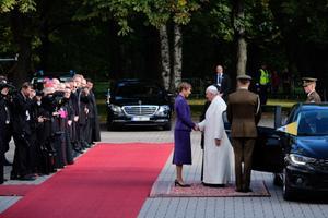 Папа Римский Франциск и президент Эстонии Керсти Кальюлайд.
