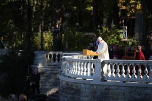Presidendi ja paavsti vastuvõtt Kadrioru roosiaias