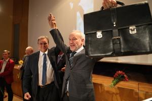 Vabaerakonna endine esimees Andres Herkal ja Kaul Nurm erakonna üldkoosolekul Raplas.