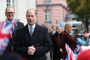 The Earl and Duchess of Wessex visiting students at Tallinn English College. 8 October 2018.