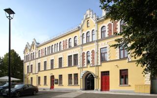 Hotellihoone J. Laidoneri plats 8, Viljandi