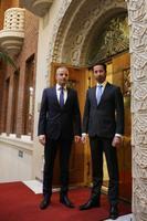 Tallinki juhatuse esimees Paavo Nõgene ning Helsingi börsi president Henrik Husman Nasdaq Helsingi uksel.