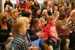 Ülemiste heategevuslik jõululaat tõi kokku 17 lastekodu