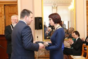 Valitsus andis üle riiklikud preemiad.
