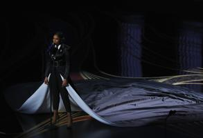 Jennifer Hudson esitas Oscaritel loo