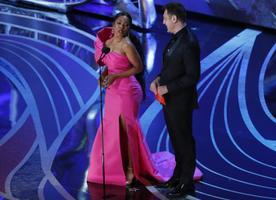 Parima võõrkeelse filmi Oscari andsid üle Angela Bassett ja Javier Bardem