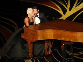 Bradley Cooper ja Lady Gaga esitasid loo
