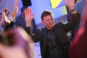 Reformierakondlased valimisvõitu tähistamas, Aivar Sõerd