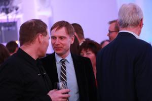 Reformierakondlased valimisvõitu tähistamas, Eerik-Niiles Kross