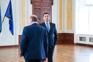 Коалиционные переговоры начались 12 марта.