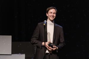Rakveres selgusid teatri aastaauhindade võitjad.