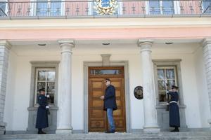 Marti Kuusik ootab sissepääsu