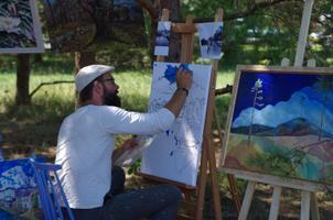 Suve töötoas maalitu jõuab laia maailma.