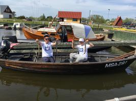 Sõruotsa poisid püüdsid merest suitsutatud uduangerjad