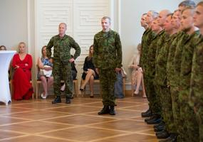 Kaitseministeerium tunnustas missioonil käinud kaitseväelasi medaliga.