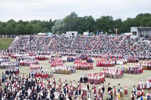 First performance of the XX Dance Festival at Tallinn's Kalev Stadium. July 4, 2019.