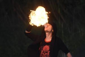 Ночь древних огней в Нарва-Йыэсуу.