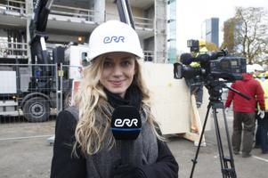 Anna Pihl telereporterina 2013. aastal