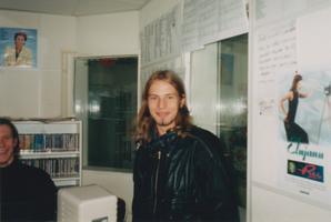 Arp Müller 1996. aastal Päikeseraadios eetriprodutsendina