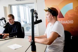 NUKU teatri näitleja Taavi Tõnisson (paremal) ja kunstiline juht Mirko Rajas.