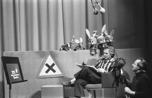 liiklusteemaline lastesaade: kunstnik Edgar Valter ja näitleja Väino Luup. 1980ndad